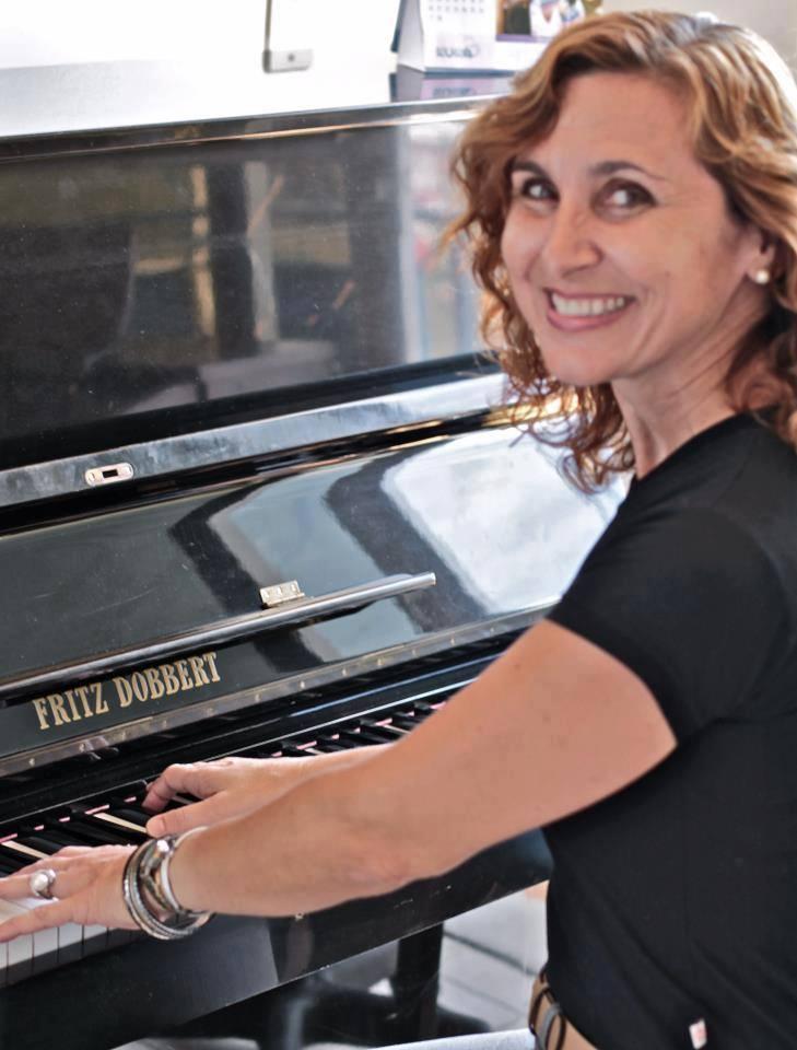 O 'Amor pela Música' em lecionar piano e sax